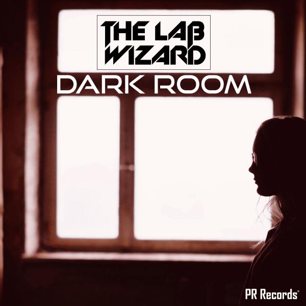 Showtek Favourites The Lab WIzard - Dark room!